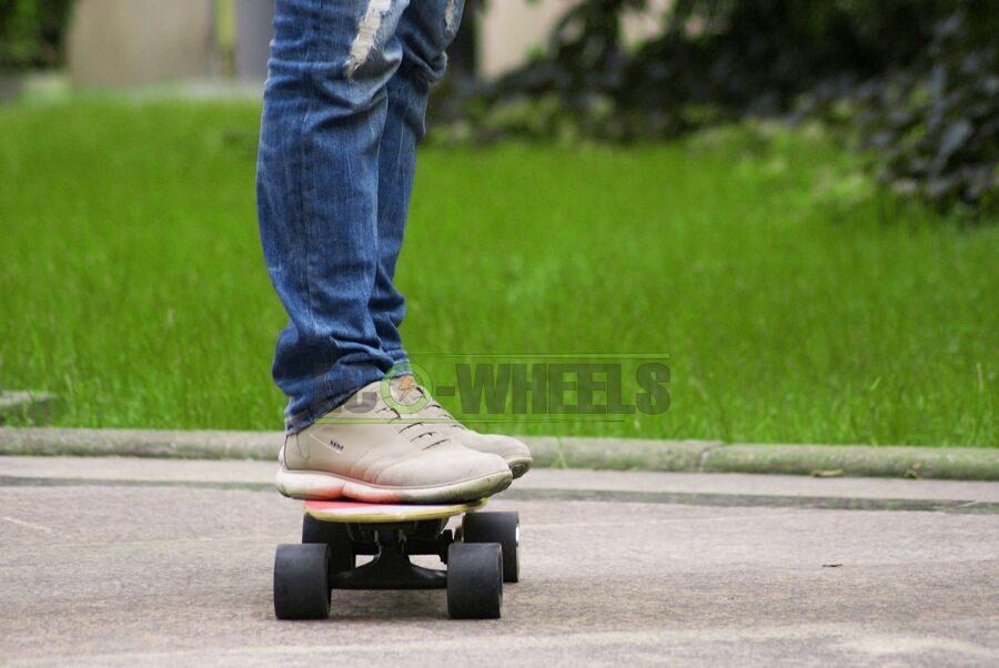 na_elektroskeyte_skateboard.jpg