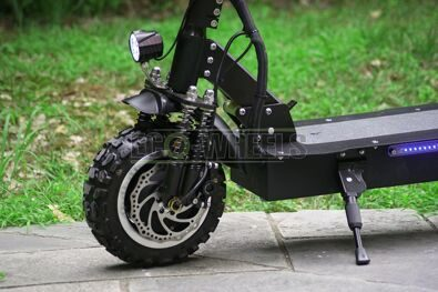 alligator_electric_scooter_peredneye_koleso.jpg