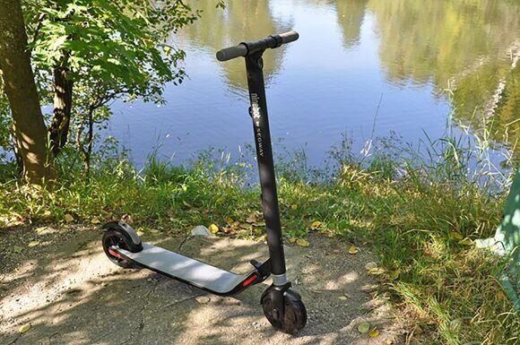 Ninebot by segway kick scooter ES2-v-lesu
